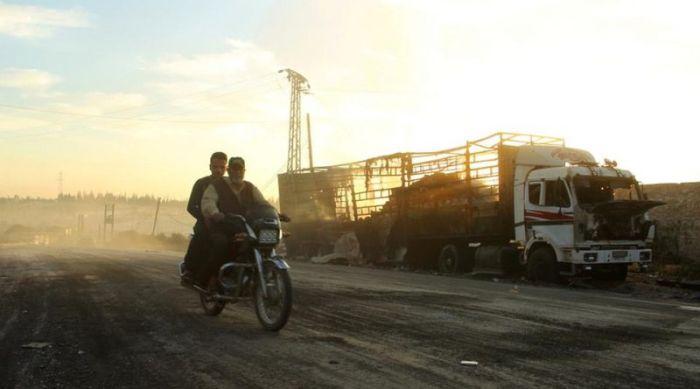США обвиняет Россию в атаке гуманитарного конвоя в Сирии (6 фото)
