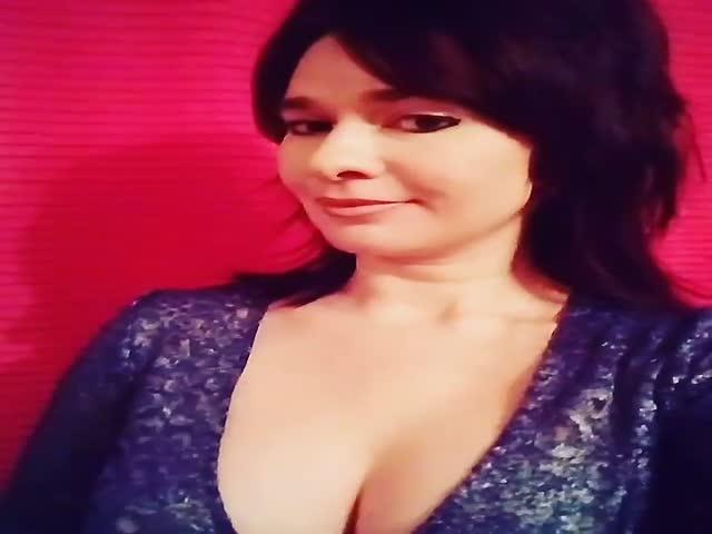 Художница Ирина Романовская грудью написала портрет Рамзана Кадырова