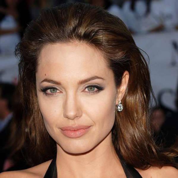 Как с годами менялась Анджелина Джоли (22 фото)