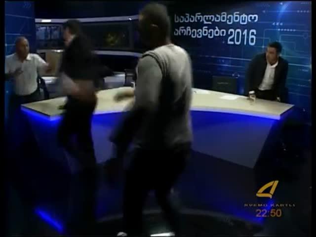 Теледебаты грузинских политиков переросли в драку