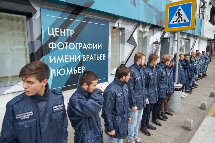 """В Москве закрыли выставку Джока Стёрджеса """"Без смущения"""" с фотографиями обнаженных детей (7 фото)"""