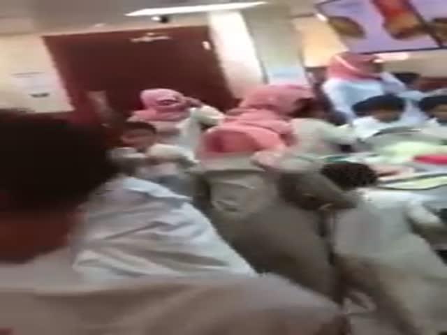 В Саудовской Аравии дети устроили беспорядки в ресторане