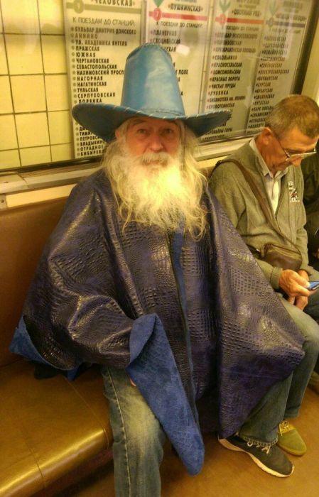 Забавные пассажиры нашего метро (40 фото)