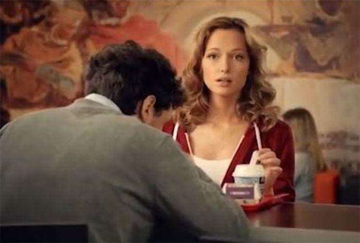 Незапоминающаяся актриса российских реклам (8 фото)