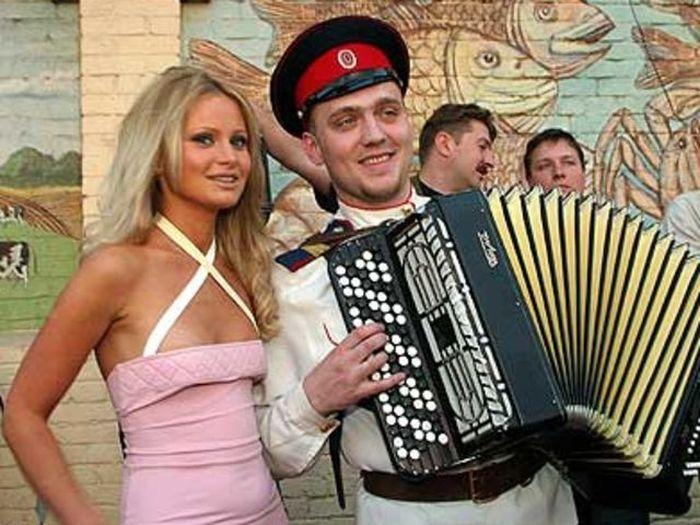 Как менялась Дана Борисова за минувшие 20 лет (17 фото)