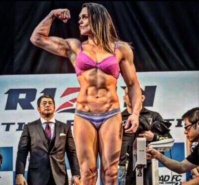 Габриэль Гарсия - необычная девушка-боец (15 фото + 3 видео)