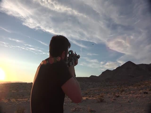 Как развлекается «король Instagram» Дэн Билзерян