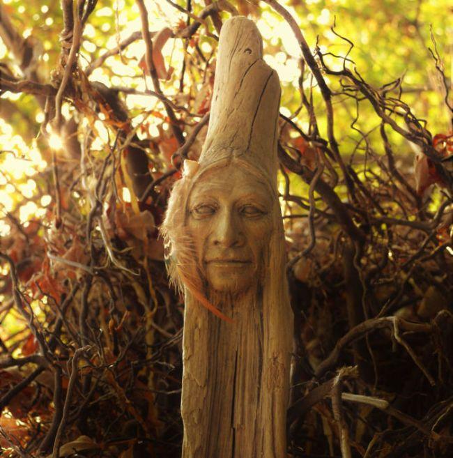 Волшебные скульптуры и статуэтки из дерева от Дебры Бернье (30 фото)