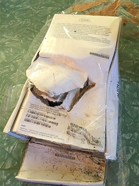 Во время доставки iPhone 7 взорвался прямо в коробке (4 фото)