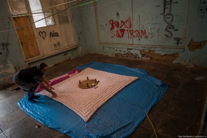 Трущобы беженцев Баку (65 фото)
