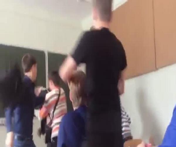 В якутском колледже студент набросился с кулаками на преподавателя
