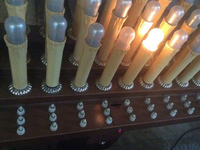 Современные технологии в западных церквях (2 фото)