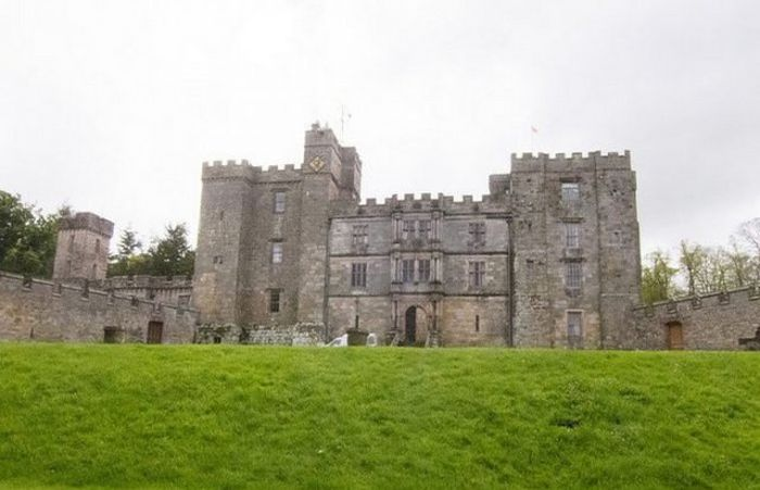Чиллингем - таинственный средневековый замок Великобритании (17 фото)