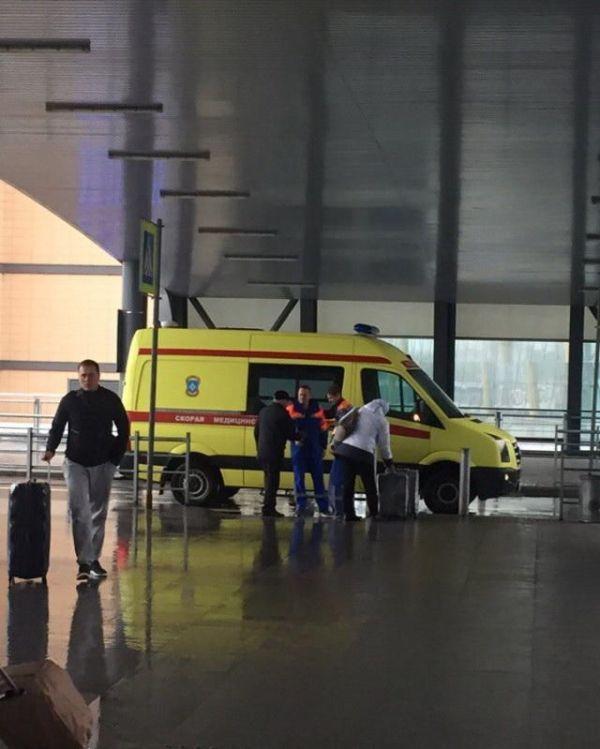 Самое быстрое «такси» до аэропорта (4 фото)