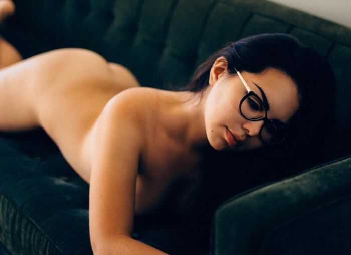 Кемеровская студентка уехала в США, чтобы стать эротической моделью (4 фото)