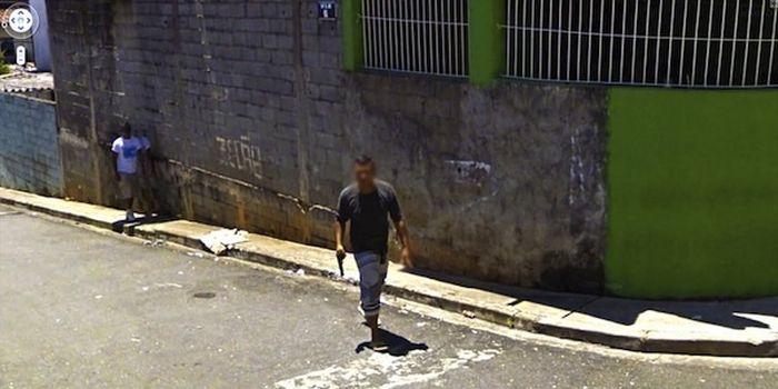 Шокирующие сцены, попавшие на фото компании Google (10 фото)