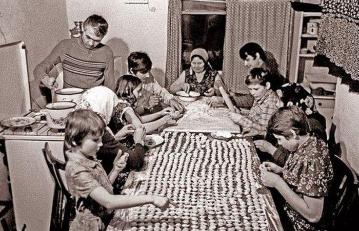 Советские будни в фотографиях (24 фото)