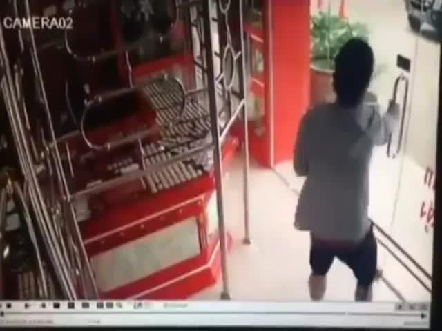 Несостоявшаяся кража в ювелирном магазине