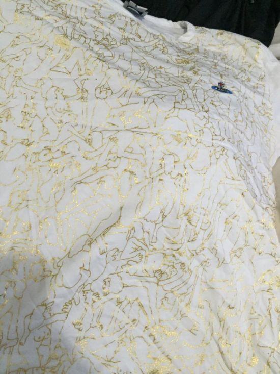 Дизайнерская футболка с Камасутрой (4 фото)
