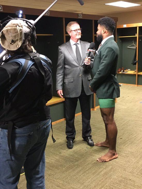 Забавное интервью игрока в американский футбол Эзекиела Эллиотта (фото)