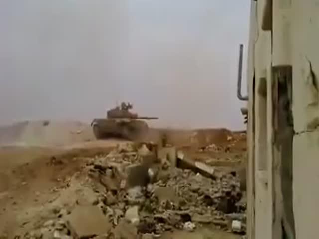 Танк уклонился от ракеты