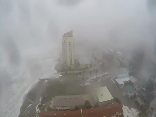 Ураган «Мэтью» на набережной Джексонвилля