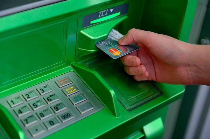 kraja deneg drilled box 01 Savings Bank announced a new way to steal money from ATMs (2 photos)