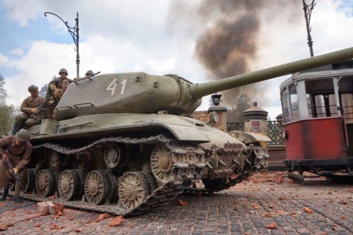 Последние дни жизни Третьего Рейха в диораме (32 фото)