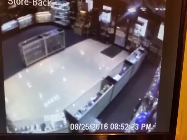 Неудачная попытка ограбления табачного магазина