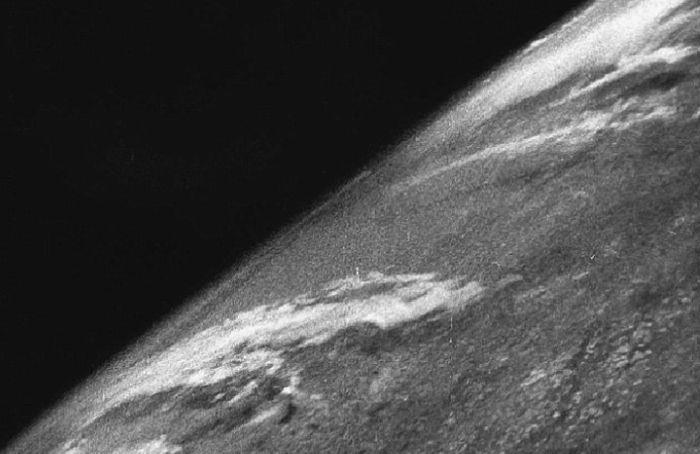 70 лет назад было сделано первое космическое фото Земли (3 фото)
