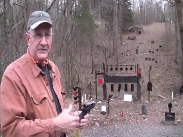 Как не стоит стрелять из полуавтоматического пистолета