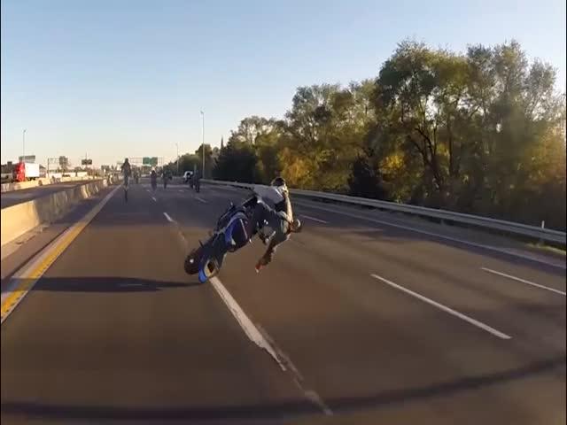 Неудачный трюк байкера