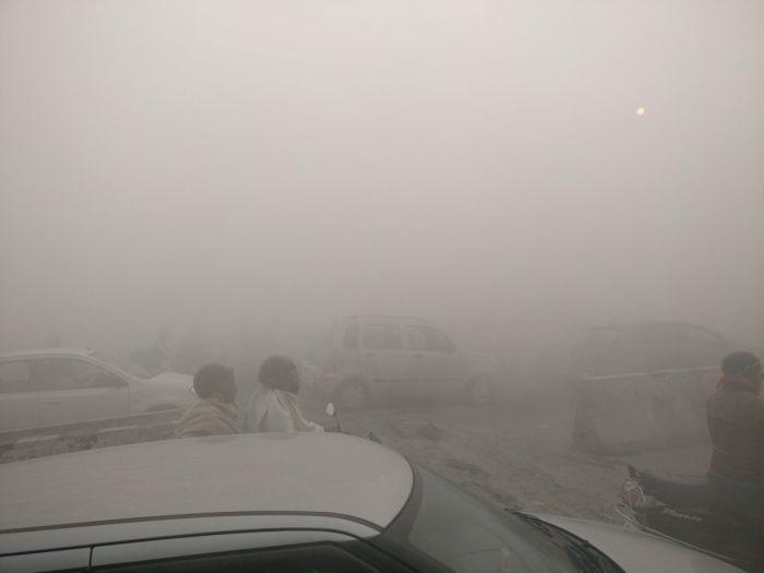 В Дели после фестиваля огней уровень загрязнения воздуха превысил норму в 42 раза (6 фото)