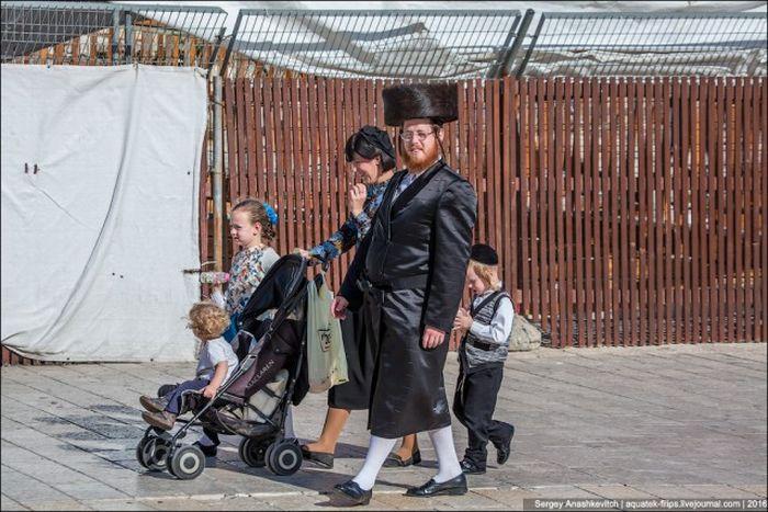 Особенности сексуальной жизни ортодоксальных евреев (3 фото + текст)