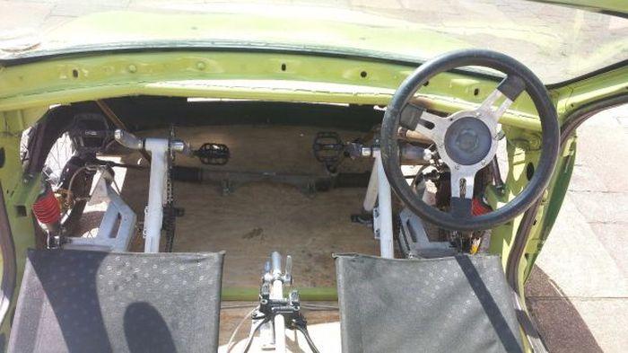 Автомобиль на педальной тяге (5 фото + видео)