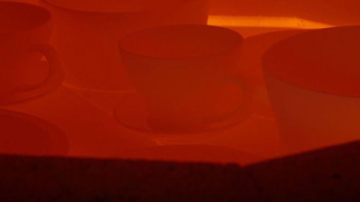 Посуда из праха близких людей (8 фото)