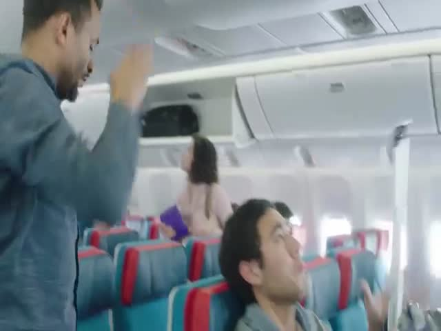 Правила безопасности во время авиаперелетов от Зака Кинга