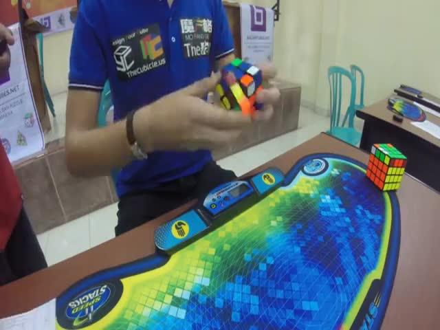 Голландец Матс Валк установил новый рекорд сборки кубика Рубика