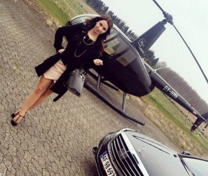 Очаровательная девушка-политик из Дании (25 фото)