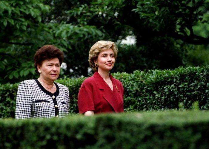 Как с годами менялась Хиллари Клинтон (24 фото)