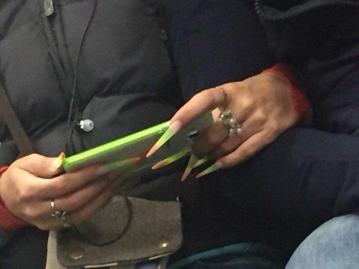 Странные пассажиры метро (30 фото)