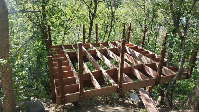 Фотоотчет о строительстве уютного дома на дереве (78 фото)