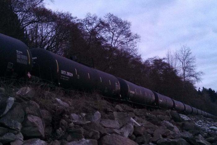 Трагедия в Лак-Мегантике - крупнейшая железнодорожная катастрофа Канады (46 фото)