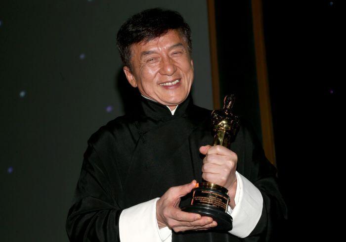 Джеки Чану вручили почётный «Оскар» (3 фото)