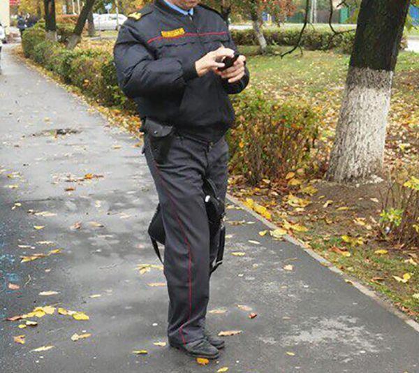 В Белоруссии милиционер воспользовался оружием, чтобы спастись от напавшей на него собаки (3 фото)