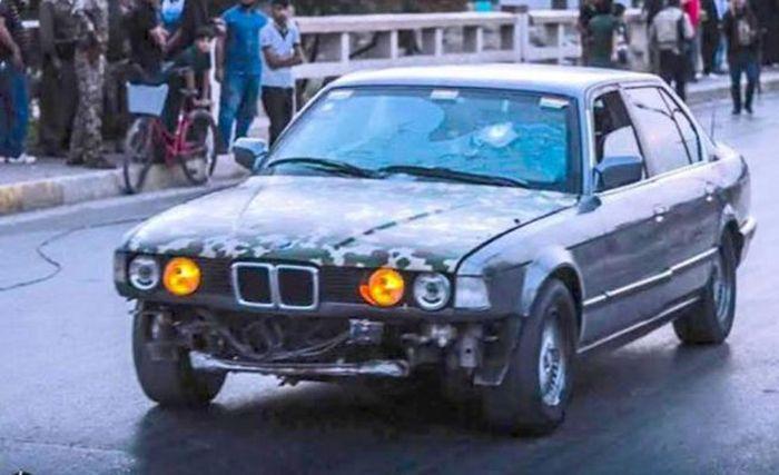 Бронированный BMW 7-Series, на счету которого десятки спасенных жизней (4 фото)