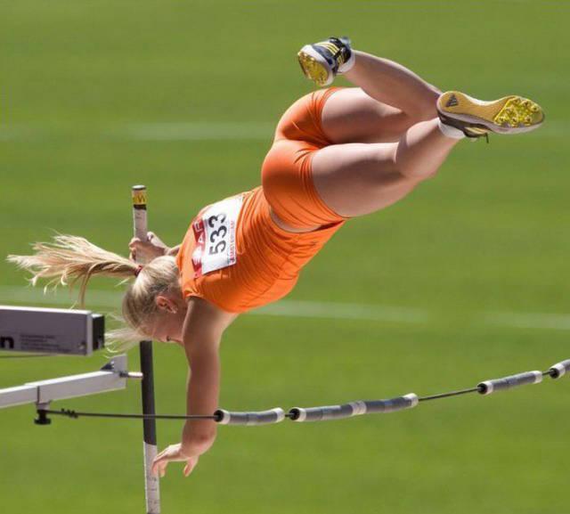 Спортивные девушки (56 фото)
