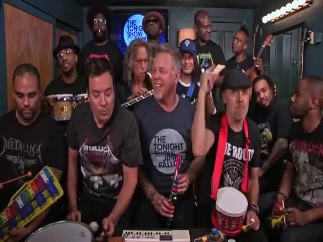 Metallica сыграла Enter Sandman на детских музыкальных инструментах