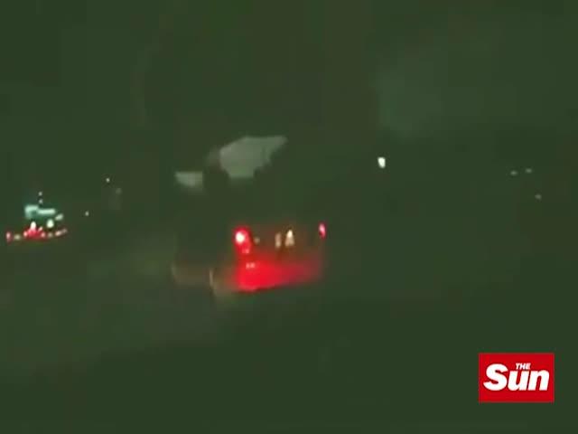 Призрак девочки на багажнике автомобиля