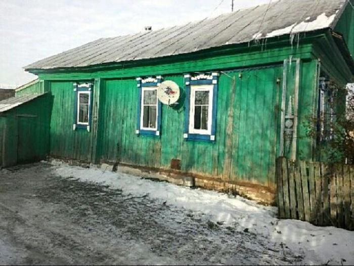 В Башкирии неизвестный меценат купил дом многодетной семье (5 фото)